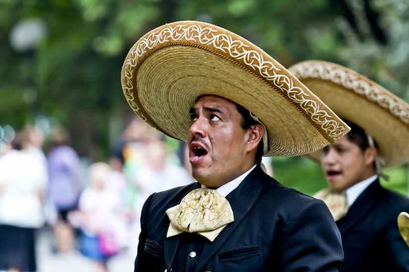 singer-mexicans-sing-man-59858.jpeg